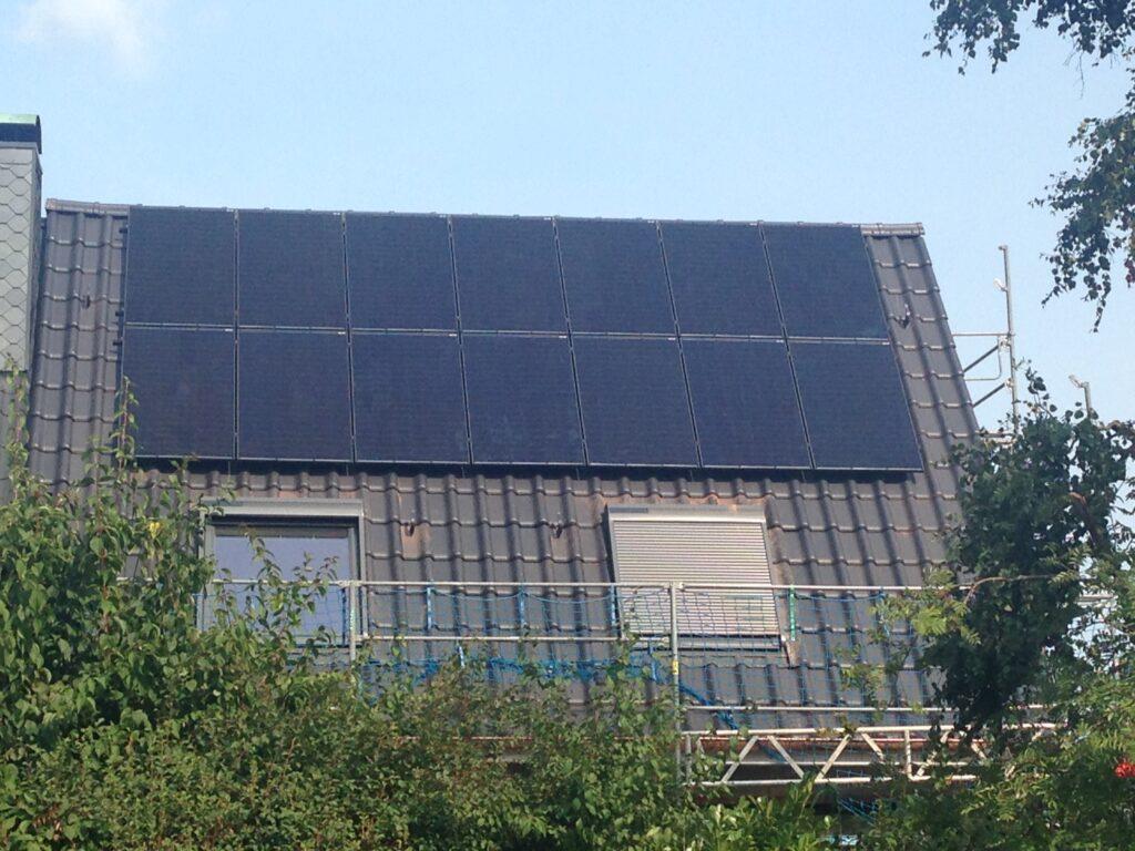 4,8 kWp Dachanlage mit Batteriespeicher aus 2020, Hamburg, Deutschland