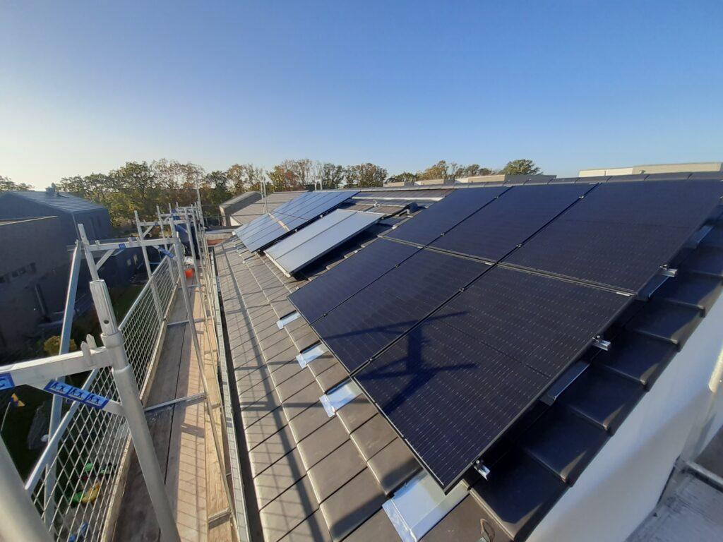 5,1 kWp Dachanlage mit Batteriespeicher aus 2020, Hamburg, Deutschland